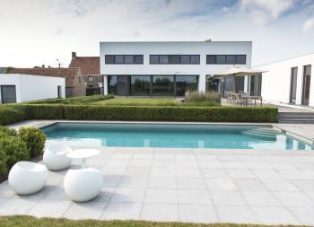 Vierkante meter modern vierkante meter for Modern zwembad